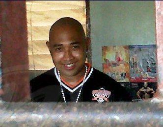 Romano Meriba, photo taken behind Bars in Prison.  Romano Meriba, foto genomen achter Bars in Gevangenis. Mijn Vader is de Voorzitter, we niets verkeerd doen.