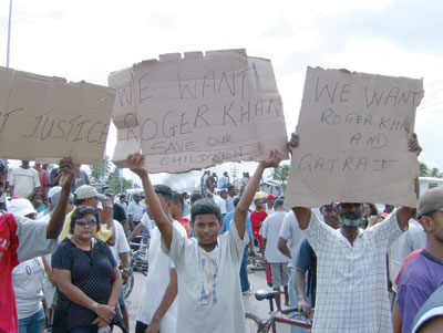 ppp crime family supporters calling for roger khan in lusignan
