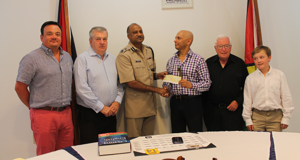 dean hassan giving seelall persaud money